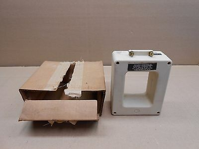 1 NIB INSTRUMENT TRANSFORMERS INC. 561-102 561102 1000:5A RATIO 600V 50-400Hz