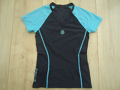 SKINS Compression Sports/Running Top - Blue - Size Large (Approx 13-14 years)
