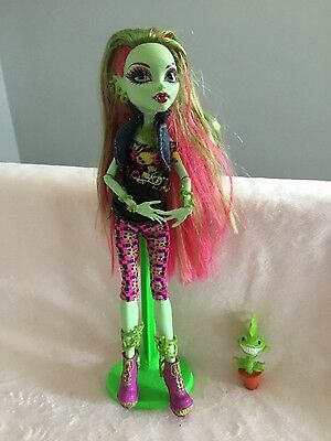 Monster High Venus  First wave with Pet