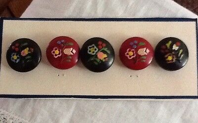 Vintage Wooden Buttons Painted With Flowers
