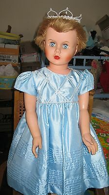 Vintage 1960's Patti Playpal Type Walker Doll Beautiful Blue Eyes Nice Outfit