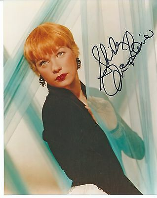 SHIRLEY MACLAINE Hand Signed 8x10 Autographed Photo With COA - THE APARTMENT