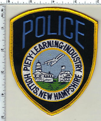 Hollis Police (New Hampshire)  Shoulder Patch  - new from 1990