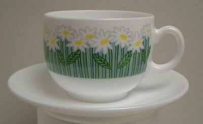 "So Pretty - Arcopal France Cup, Saucer & Bowl 12 piece Set ""Daisy"" Pattern, EUC"