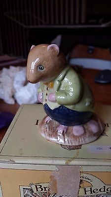 Brambly Hedge Royal Doulton figurine - Old Vole - Boxed DBH13 - RARE & MINT!