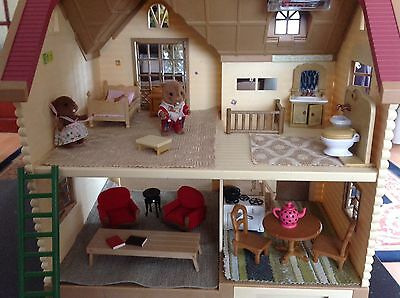 sylvanian lakeside  lodge with furniture & Battery Lights