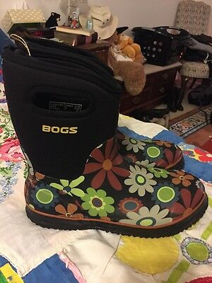 Bogs Women's Waterproof Insulated Flower Rain Boots Shoes Size 11 (US) 42 (EUR)