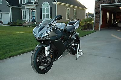 2002 Yamaha YZF-R  2002 Yamaha R1 Excellent Condition