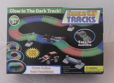 New~Light Up Glow In The Dark Car & Tracks 162 Piece Set~Ages 3+ Hours Of Fun