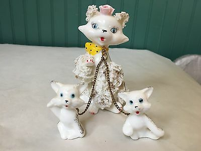 Japan Handpainted White Spaghetti Cat With 2 Chained Kittens