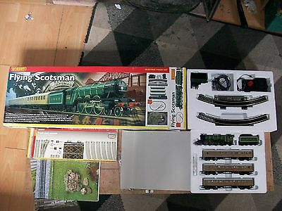 Hornby Flying Scotsman Set R1019 & Track Pack C R8017 MINT