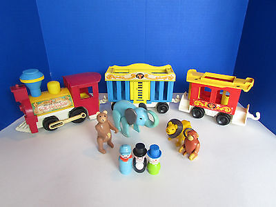 Vintage 1973 Fisher Price Little People Circus Train Monkey Lion Bear #991