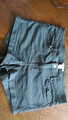 H&M Women's shorts - size 8 - Olive Green