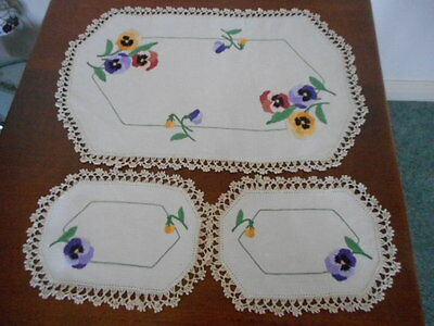 """Vintage Hand Embroidered """"pansy""""duchess Set"""