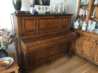 Upright Normelle Piano