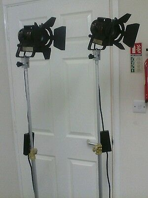 2 x 100W High CRI dimming Spotlight Studio Video Lighting with 2 tripods
