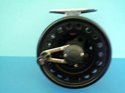 A Vintage Shakespeare Omni-X Geared Large Arbour Graphite Fly Reel (6-7 Weight)