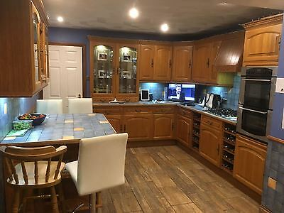 Large Oak Kitchen 32 Units To Include All Appliances