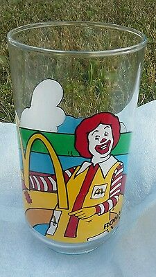 ☀VERY RARE CANADIAN McDonald's ☀VINTAGE CHARACTER GLASS - FULL BRIGHT COLOR