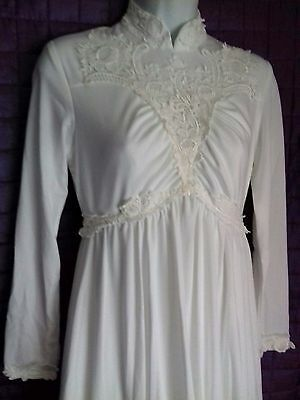 True Vintage 70s white Wedding Dress Retro Bridal 1970s Victorian or 40s look