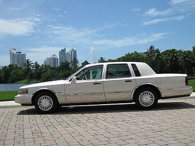 """1997 Lincoln Town Car  1997 LINCOLN TOWN CAR-SIG-""""TOURING EDT""""1-OWNER-55K-GARAGED-MINT!-FLA-CAR-NO RUST"""