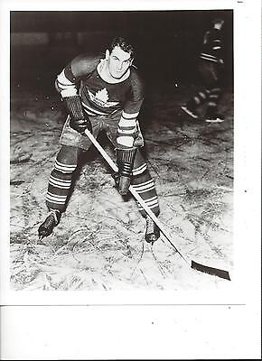Syl Apps 8X10 Photo Toronto Maple Leafs Hockey Nhl Picture