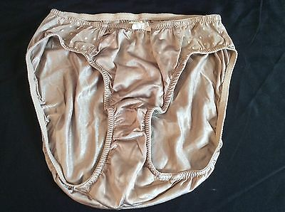 Vtg Unbranded 100% Nylon and Lace Hi-cut Panties Size 5 Dark Taupe
