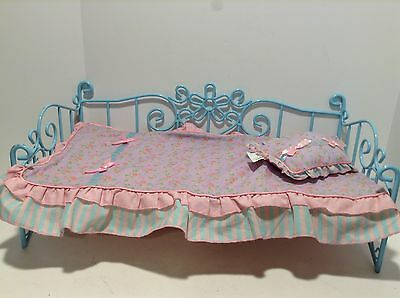 """Battat Doll Bed Blue With Bedding Blanket Pillow Daybed Baby Doll 18"""""""
