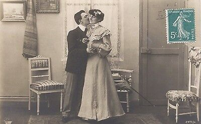 Old French Romantic Postcard: Young Couple Kissing