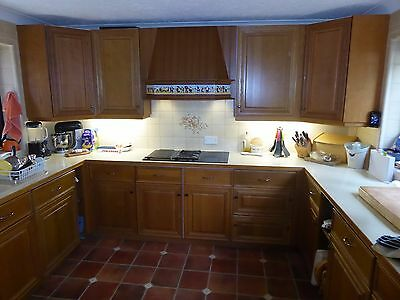 Oak kitchen units by Magnet (Large kitchen) with appliances