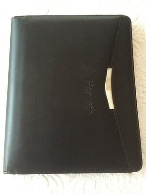 Black Zip Closer A4 Compendium