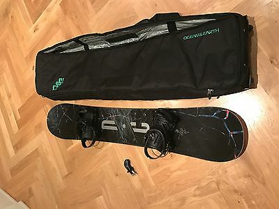 DC Focus 153 Snowboard With Union Force Bindings (Size M/L) & Travel Case