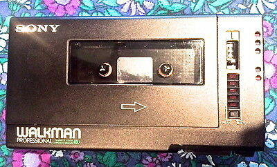 VINTAGE SONY walkman professional WM-D6