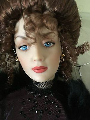 "FRANKLIN MINT Gibson Girl 16""Vinyl DOLL in Ensemble +Jewelry,Accessories & Stand"