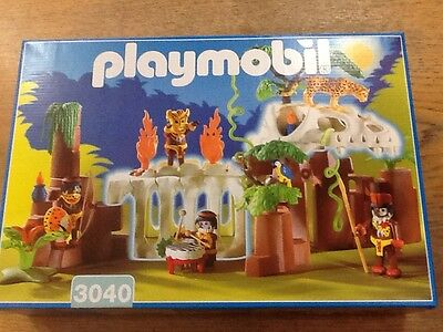 playmobil 3040 skeleton cave
