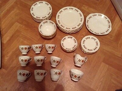 colclough fine bone china 58 piece set