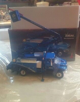 Ideal collectable utility truck