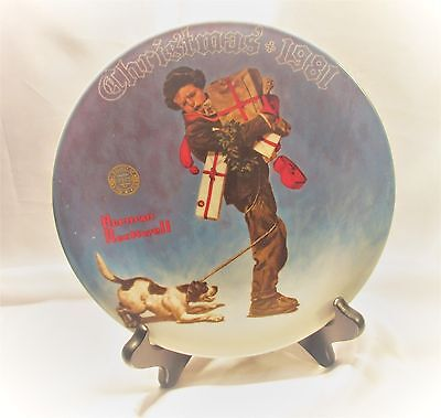 """Norman Rockwell Collector Plate Christmas 1981 """"Wrapped Up In Christmas"""" 8 1/4"""""""