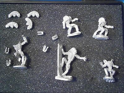 "Leading Edge "" Aliens "" Figures (5 different). Unpainted 25mm/28mm scale Metal"