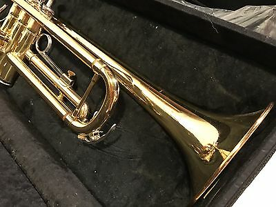 YAMAHA YTR-2335 TRUMPET w/ CASE ~ BARELY USED! AMAZING CONDITION!!!