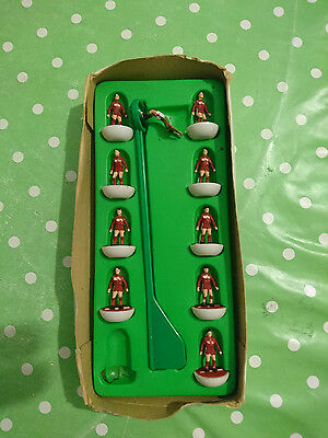 Subbuteo HW Team Middlesbrough Colours, player missing, no lid to box