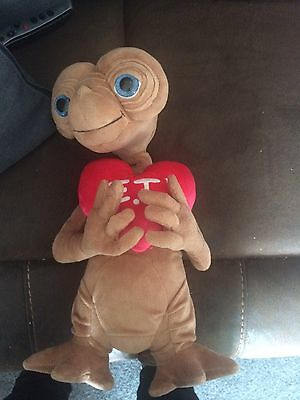 Rare E.t With Heart Plush