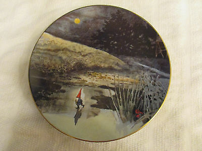 Rien Poortvliet Gnome Collector Plate - First Skater by Fairmont Porcelain