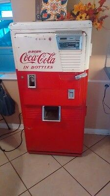 Classic Coke Vending Machine (Westinghouse WC 42T)
