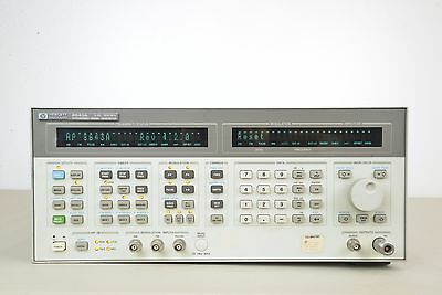 Hewlett Packard HP 8643A Synthesized Signal Generator 0.26-1030 Hz (E)