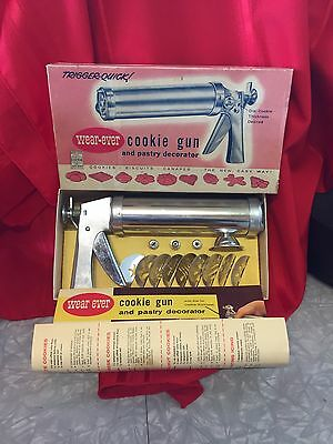 Vintage Wear Ever, Aluminum Cookie Gun and Pastry Decorator Excellent