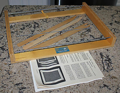 Vintage Lily Mills Lilette Lap  Loom Weaving Knitting W/instructions