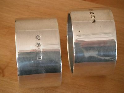 Matching pair of unusual gauge silver napkin rings, Birmingham 1910  256 grams
