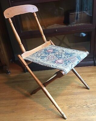 Readsboro Mfg Co Wood Folding Carpet Seat Camp Chair Vermont USA