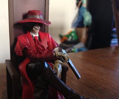 Hellsing Figure Collection Search & Destroy vol.1: Alucard Awaiting SDCC 2008